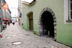 Малоприметный вход в переулок Катарины с улицы Muurivahe